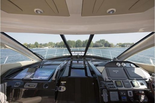 2008 Regal boat for sale, model of the boat is 52 Sport Coupe & Image # 5 of 23