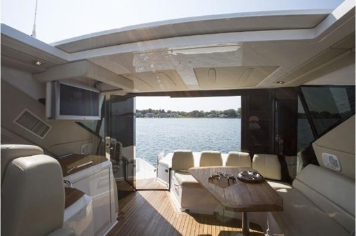 2008 Regal boat for sale, model of the boat is 52 Sport Coupe & Image # 5 of 6