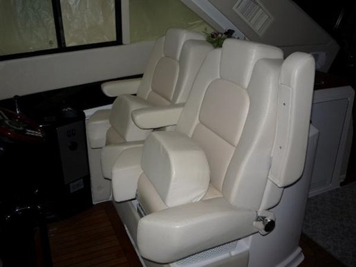 2008 Regal boat for sale, model of the boat is 52 Sport Coupe & Image # 6 of 23