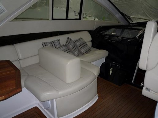 2008 Regal boat for sale, model of the boat is 52 Sport Coupe & Image # 9 of 23