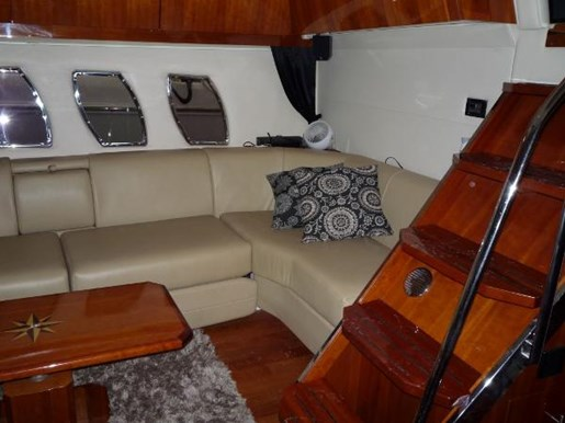 2008 Regal boat for sale, model of the boat is 52 Sport Coupe & Image # 19 of 23
