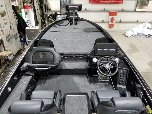 2021 Phoenix boat for sale, model of the boat is 921 Elite – PBB130 & Image # 4 of 10