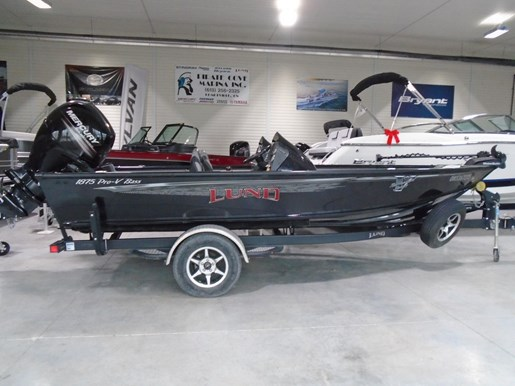 For Sale: 2017 Lund 1875 Prov Bass Xs 18ft<br/>Pirate Cove Marina