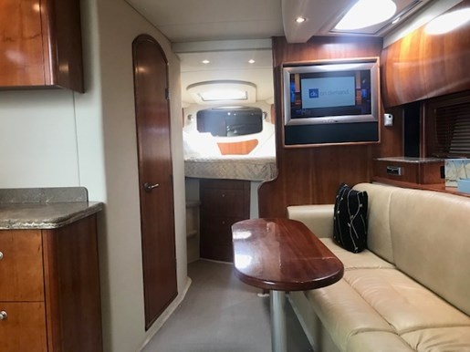 2010 Cruisers Yachts boat for sale, model of the boat is 390 Sports Coupe & Image # 5 of 10