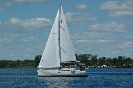 2009 Beneteau boat for sale, model of the boat is 34 & Image # 1 of 3