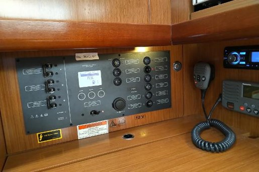 2009 Beneteau boat for sale, model of the boat is 34 & Image # 10 of 17