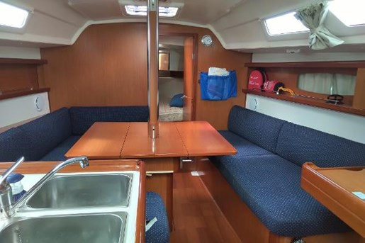 2009 Beneteau boat for sale, model of the boat is 34 & Image # 12 of 17