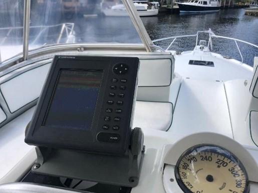 1995 Mainship boat for sale, model of the boat is 40 Sedan Bridge & Image # 3 of 15