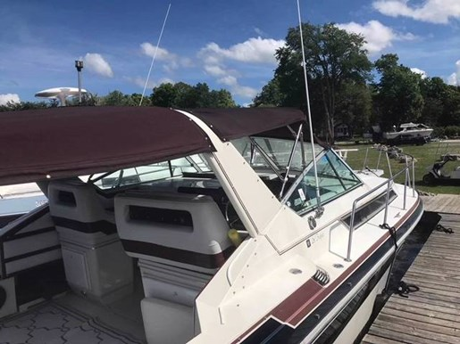 For Sale: 1989 Wellcraft St Tropez 32ft<br/>Pride Marine - Ottawa