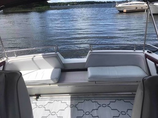 1987 Wellcraft boat for sale, model of the boat is ST TROPEZ & Image # 8 of 10