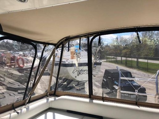 1996 Sea Ray boat for sale, model of the boat is 400 Express Cruiser & Image # 6 of 19