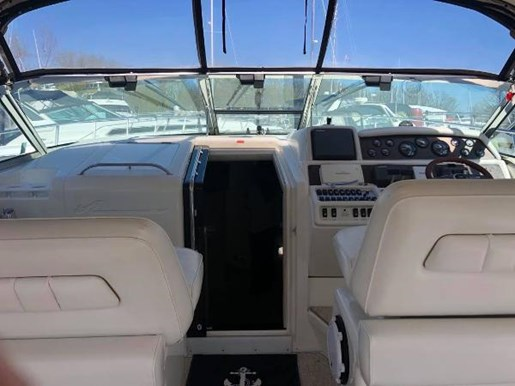 1996 Sea Ray boat for sale, model of the boat is 400 Express Cruiser & Image # 7 of 19