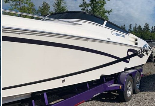 2005 Fountain boat for sale, model of the boat is 35 Lightning & Image # 2 of 4
