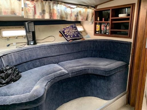 1979 Bayliner boat for sale, model of the boat is 32 Conquest & Image # 4 of 7