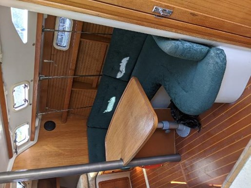 1997 Catalina Yachts boat for sale, model of the boat is 320 & Image # 6 of 20