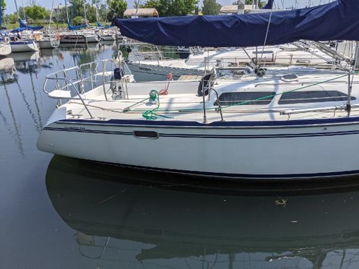 1997 Catalina Yachts boat for sale, model of the boat is 320 & Image # 14 of 20
