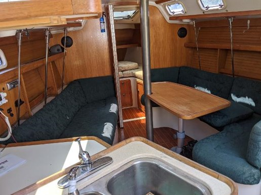 1997 Catalina Yachts boat for sale, model of the boat is 320 & Image # 16 of 20