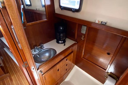 1980 Nonsuch boat for sale, model of the boat is Classic 30 & Image # 5 of 10