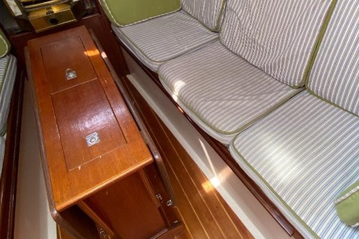 1980 Nonsuch boat for sale, model of the boat is Classic 30 & Image # 8 of 10
