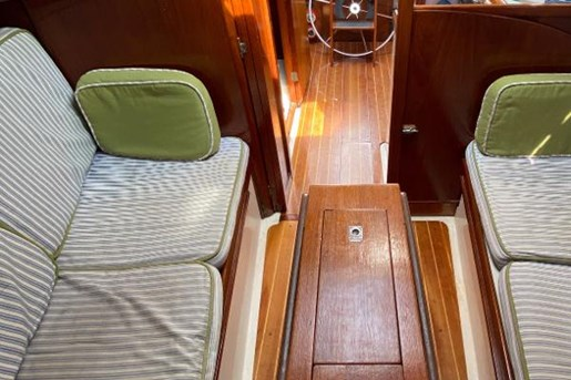 1980 Nonsuch boat for sale, model of the boat is Classic 30 & Image # 9 of 10