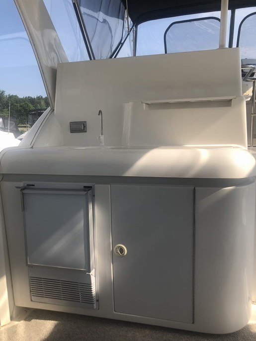 1999 Cruisers Yachts boat for sale, model of the boat is 3750 Motor Yacht & Image # 11 of 21