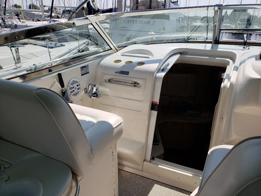 1996 Sea Ray boat for sale, model of the boat is 370 Sundancer MC & Image # 6 of 13
