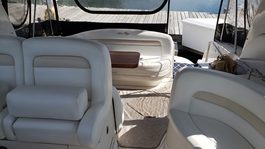 2008 Sea Ray boat for sale, model of the boat is 320 Sundancer & Image # 8 of 23