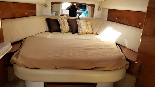 2008 Sea Ray boat for sale, model of the boat is 320 Sundancer & Image # 13 of 23
