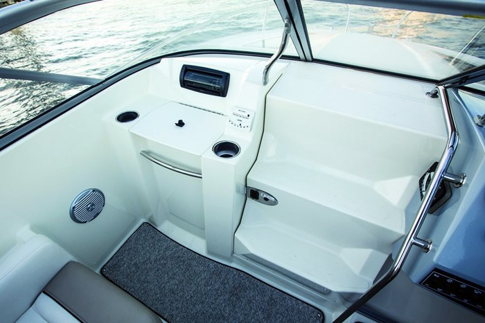 bayliner 642 port side