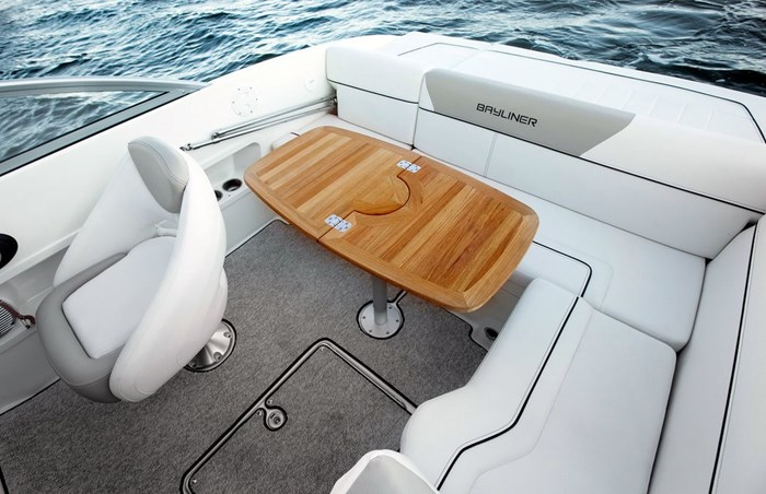bayliner 642 rear table