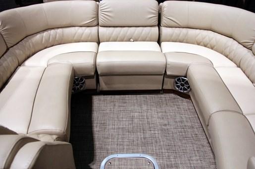 bennington 2575 mahogany bow layout