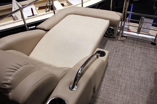 bennington 2575 mahogany rear seating