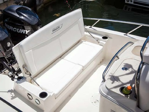 2014 Boston Whaler 270 Dauntless Center Console Boat ...