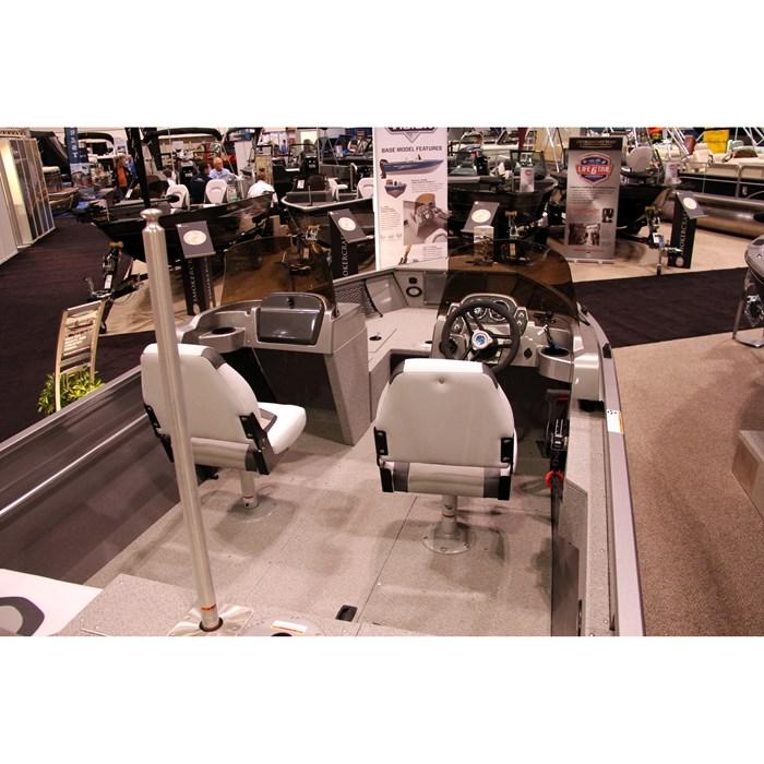 crestliner 1600 vision layout