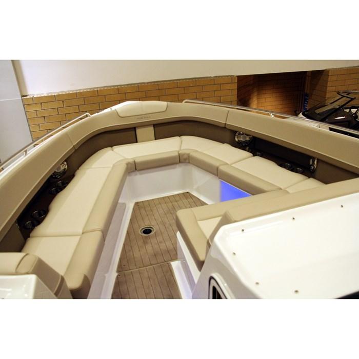 formula 350cbr bow seating