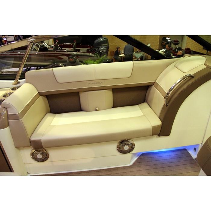 formula 350cbr seating