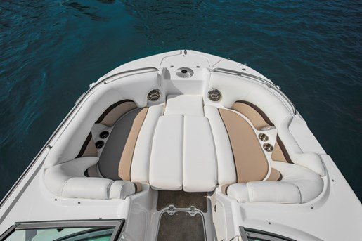 hurricane sundeck sd 2000 bow layout