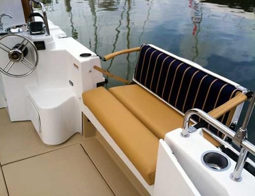 ranger tug r31 seat