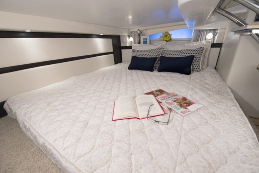 regal 32 express king berth