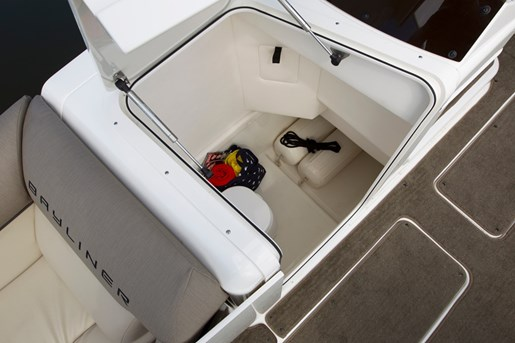 bayliner element xr7 storage