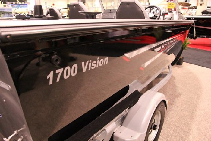 Crestliner Vision 1700 2