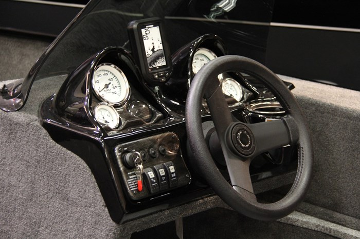 Legend 16 XGS Side Console 3