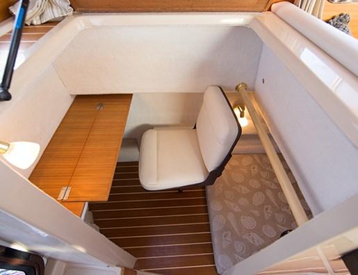 ranger tug r27 desk seat