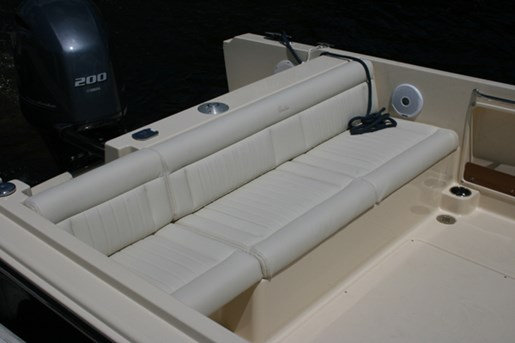 rossiter 23-stern-seating