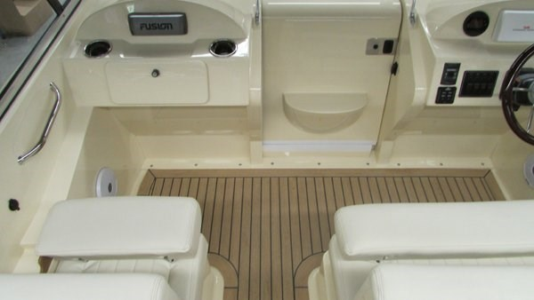 rossiter 23-stern-seating2
