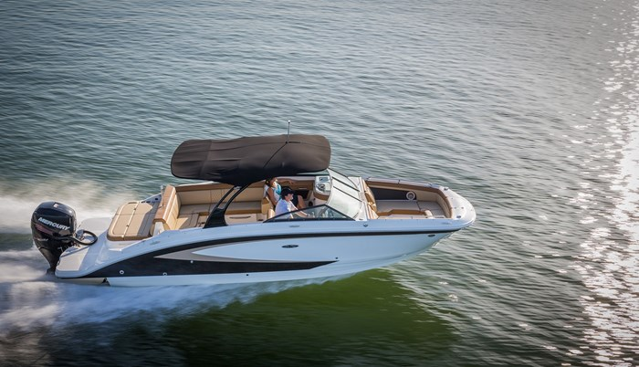 2015 Sea Ray 270 Sundeck Outboard Deck Boat Boat Review - BoatDealers ca