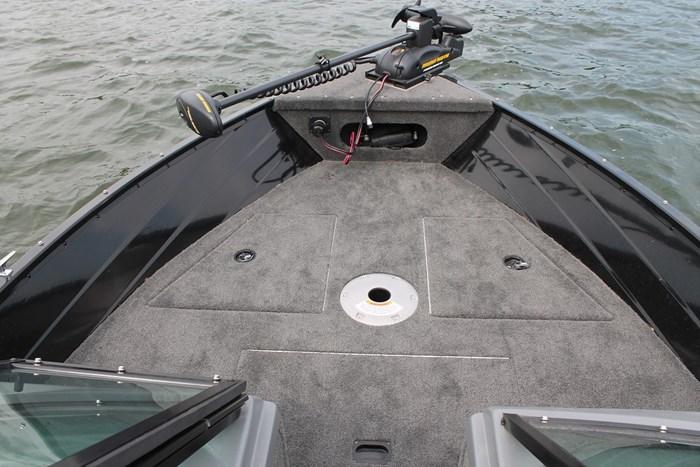 Smokercraft 162 Pro Angler bow
