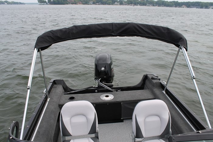 Smokercraft 162 Pro Angler stern