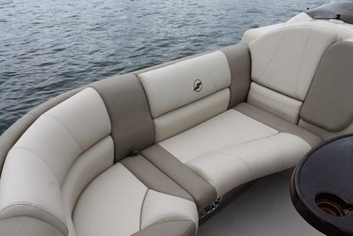 Starcraft MX 23 LP seat