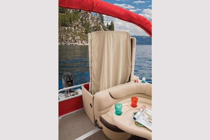 sun tracker party barge 20 dlx privacy